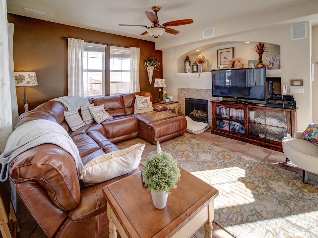 silverton-family-room