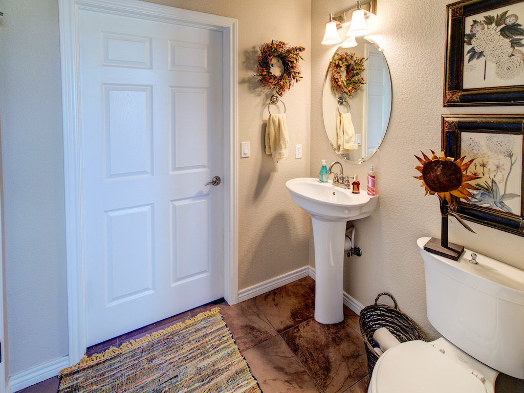 silverton-powder-room