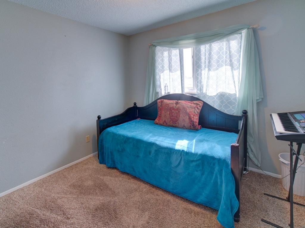 dale-bedroom-2