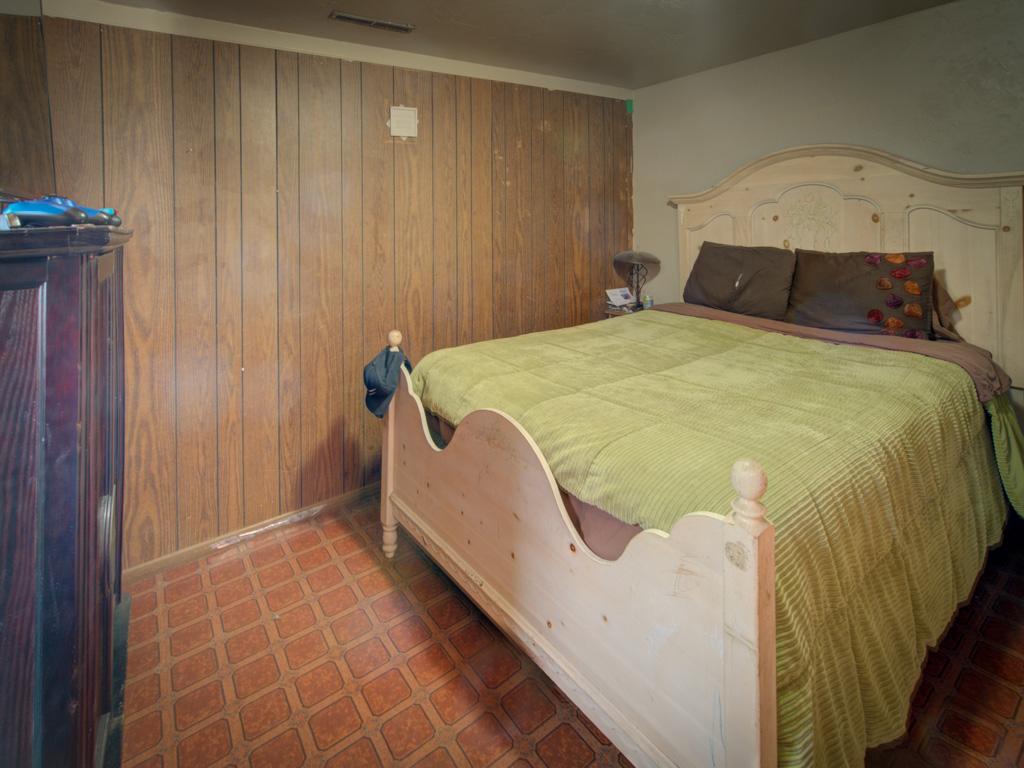 dale-bedroom-5