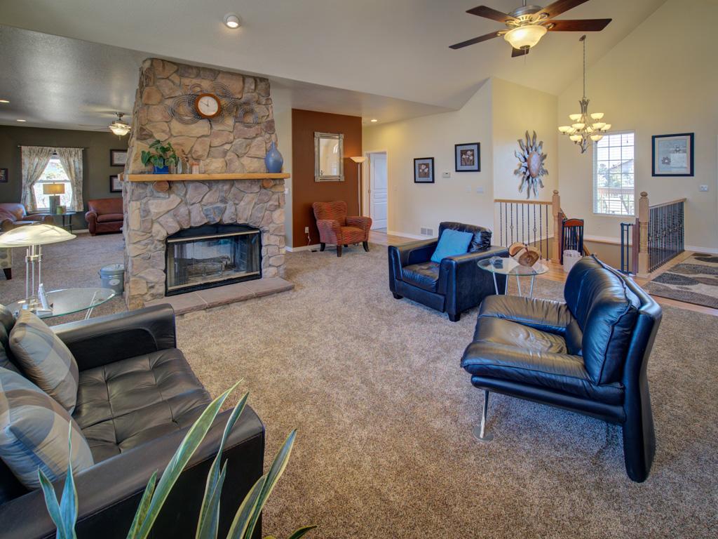 solitude-living-room
