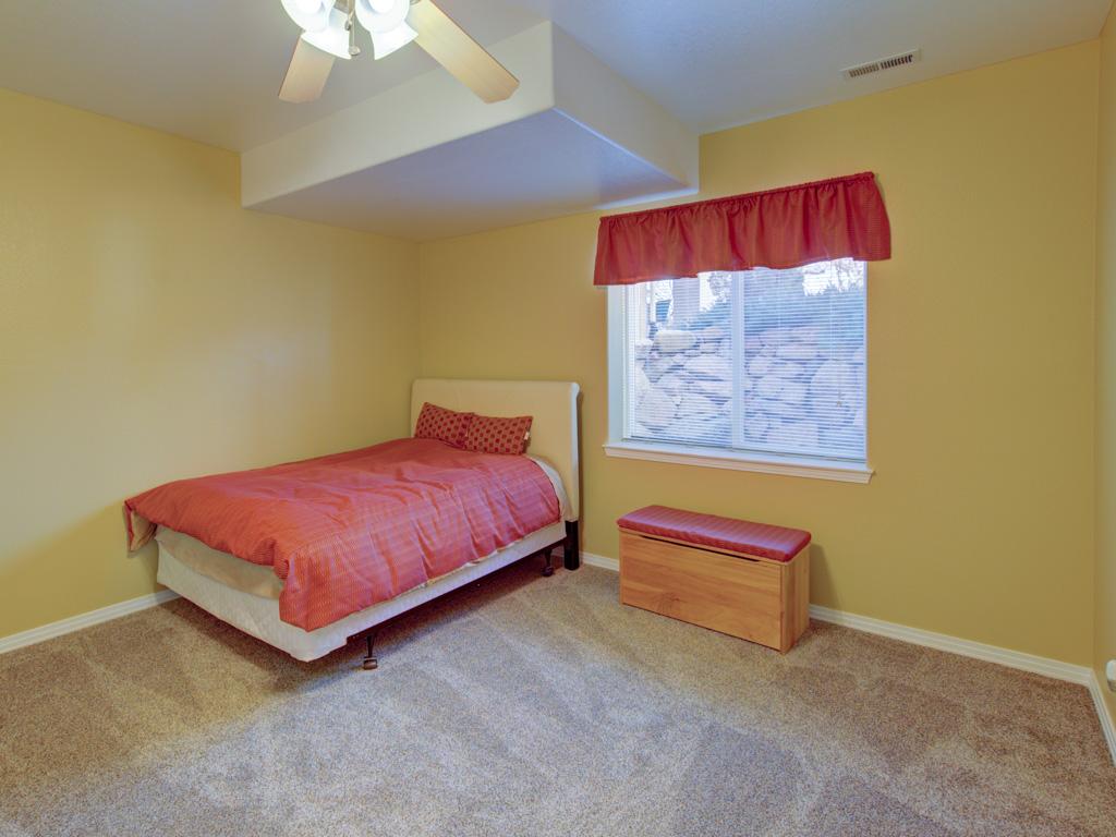 solitude-master-bedroom-4